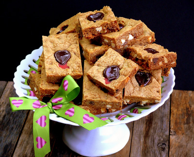 Bleeding-Heart-Chocolate-Chip-Bars