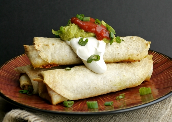 Oven-Baked-Pulled-Pork-Flautas-1