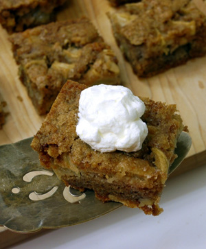 chunky-apple-snack-cake