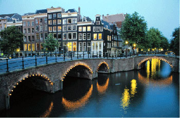 amsterdam-bridge.jpg