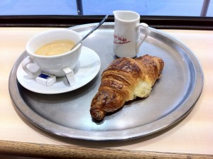 croissant-in-france-300x224