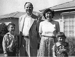 mehagianfamily01.jpg