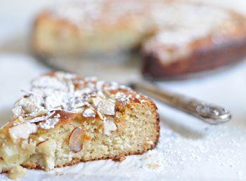 cake almond.honey